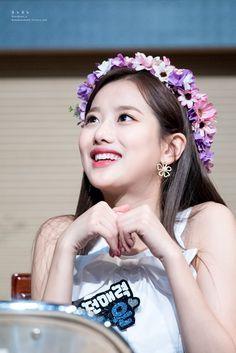 Kpop Girl Groups, Kpop Girls, April Kpop, Ailee, Korean Women, Blue Dresses, My Girl, Fashion Beauty, Idol