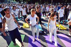 No dia 2 de novembro, às 11h, Fundação Internacional Arte de Viver oferece uma aula de yoga, com entrada Catraca Livre.