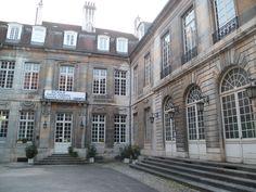 Hôtel Terrier de Santans - cour intérieure - 1770