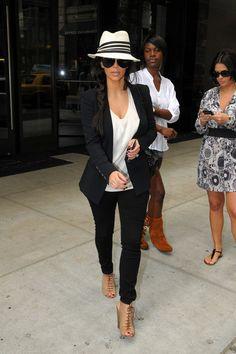 Kim Kardashian looking comfy, yet stunning!