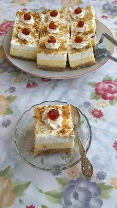 Greek Sweets, Greek Desserts, Party Desserts, Greek Recipes, Sweets Recipes, Candy Recipes, Cake Cafe, Sweets Cake, Creative Food