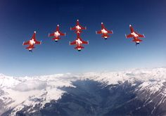 Patrouille Suisse in all their glory! The Art Of Flight, Swiss Air, Flying Wing, Tiger Ii, Airplane Art, Im Leaving, Air Planes, Jet Plane, Air Show