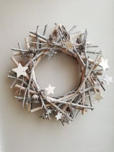 Grey boughs wreath, gray Xmas wreath, grey wooden sticks wreath with wooden stars and pine cones, rustic boho Xmas wreath, woodland wreath - Happy Christmas - Noel 2020 ideas-Happy New Year-Christmas Twig Christmas Tree, Natural Christmas, Etsy Christmas, Rustic Christmas, Christmas And New Year, Christmas Star, Winter Holiday, Primitive Christmas, Beautiful Christmas