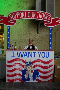 Creating something similar to this for a soda fountain. 1940s Party, Vintage Party, 40th Birthday Parties, 80th Birthday, American Themed Party, Christmas Booth, Decade Party, Fundraising Events, Fundraisers