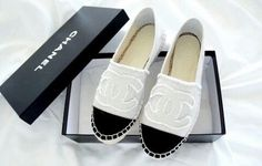 Beautiful chanel shoes... I love it!