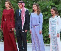 Queen Rania of Jordan with her children