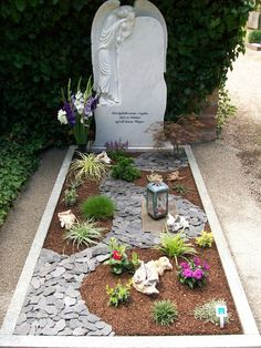 Blumen Freund Ladenburg - cemetery nursery Best Picture For funeral procession For Your Taste You are looking for something, and it is going to tell you exactly what you are looking for, and you didn' Grave Flowers, Cemetery Flowers, Graveside Decorations, Cemetary Decorations, Cemetery Headstones, Memorial Flowers, Garden Planters, Amazing Gardens, Outdoor Gardens
