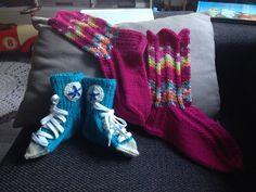 Pikkutytölle Olga-sukat ja pikkupojalle Conversesukat