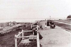 St Kilda Promenade in Victoria in the 🌹 Time In Australia, Melbourne Suburbs, Melbourne Victoria, St Kilda, Local History, Ancient Architecture, Back In The Day, Vintage Images, Old Photos