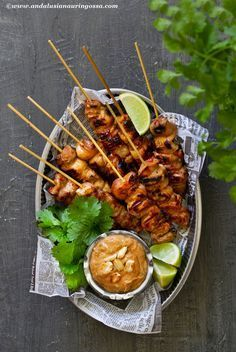 Asian marinated chicken skewers and satay sauce 1 - James Recipes Bistro Food, Pub Food, Cafe Food, Restaurant Food, Restaurant Signage, Beer Food, Food Truck Menu, Food Menu, Asian Recipes