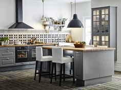 Une belle cuisine ouverte, partiellement ou en totalité, suffit parfois à rendre un lieu...