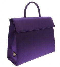PRADA     handbag purple      @yourbag.yourlife http://yourbagyourlife.com/                                                                                                                                                      Más
