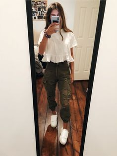 Teenage Fashion 2019 18 favolosi abiti per adolescenti The post Teenage Fashion 2019 18 favolosi outfit per adolescenti appeared first on Italy Moda. Fashion Mode, Teen Fashion Outfits, Look Fashion, Outfits For Teens, Lifestyle Fashion, Popular Outfits, Fashion For Girls, Outfits For School Summer, Clothes For Girls