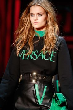 Versace Fall 2015 Ready-to-Wear - Details - Gallery - Style.com