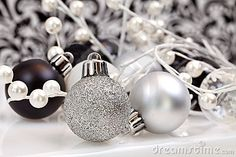 Black And White Christmas Ornaments --- ohh I wanna do a black and white Xmas tree!!