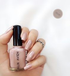 We talked to nail-care experts in order to discover exactly what you should be doing for the nails — Polygel Nails, Nude Nails, Collar Tribal, Water Marble Nails, Handmade Cosmetics, Healthy Nails, Nagel Gel, Nail Plate, Gel Nail Polish