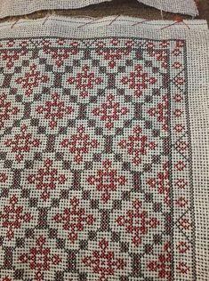 Cross Stitch Gallery, Cross Stitch Art, Cross Stitch Flowers, Cross Stitch Designs, Cross Stitching, Cross Stitch Embroidery, Cross Stitch Patterns, Pinterest Cross Stitch, Cross Stitch Cushion