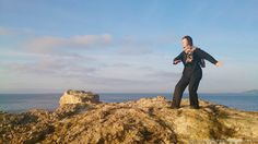 Early morning Taikiken training at the rock outside Casa Gazebo at Cap Martinet. Training yuri, two circles feeling strength.