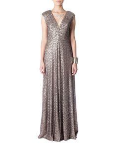 $709 Vestido longo sem manga bordado em paetês com decote V - Vestidoteca