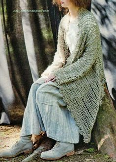 Stylish Easy Crochet: Crochet Cardigan - Stylish and Easy Cardigan for Young Women