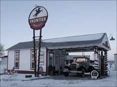 vintage service stations   The Garage Journal » Blog Archive » Vintage Service Stations