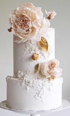 The Prettiest & Unique Wedding Cakes We've Ever Seen - 59 unique wedding cake designs, unique wedding cakes, pretty wedding cake, simple wedding cake idea - Wedding Cake Centerpieces, Fruit Wedding Cake, Pretty Wedding Cakes, Black Wedding Cakes, Elegant Wedding Cakes, Elegant Cakes, Wedding Cake Designs, Wedding Themes, Wedding Colors