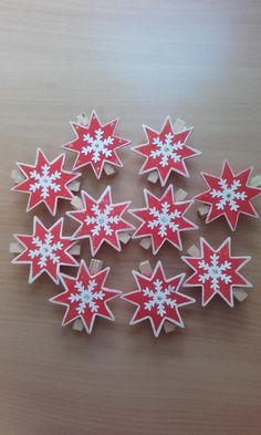 Diy Christmas Tree Garland, Christmas Tree Template, Scandinavian Christmas Decorations, Unique Christmas Trees, Wood Christmas Tree, Snowflake Decorations, Christmas Paper Crafts, Christmas Star, Handmade Christmas