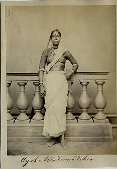 Vintage Photograph of an Ayah (Children's Maid) - Vintage Photos Women, Vintage Pictures, Vintage Photographs, Old Pictures, Vintage Images, Old Photos, Vintage India, Nostalgic Images, Old Images