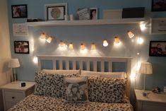 Con un po' di fantasia, anche delle vecchie luci antiquate possono avere una seconda vita! Ecco come poterle riutilizzare e trasformare completamente! Halloween Plates, Room Paint, Diy Party, Ideas Para, Diy Ideas, Room Inspiration, Christmas Diy, Decoupage, Toddler Bed