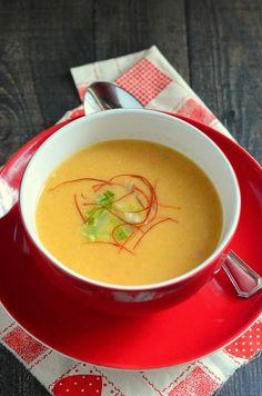 Zöldséges póréhagyma-krémleves - Kifőztük Thai Red Curry, Ethnic Recipes, Food, Meal, Essen, Hoods, Meals, Eten