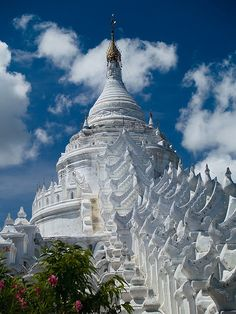 Myanmar is a definite bucket list place - hopefully the politics will stabilise in the next few years. Hsinbyume Paya in Mingun, Mandalay, Myanmar Places Around The World, Travel Around The World, Around The Worlds, Laos, Architecture Antique, Amazing Architecture, Myanmar Travel, Asia Travel, Temples