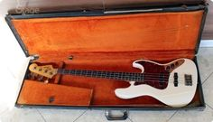 This 1963 made Fender Jazz Bass from 1970 until now had only one owner who used the instrument frequently. The guitar has alder body, maple neck and Rosewood fretboard, which has been refretted. The