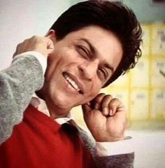 Shahrukh Khan in Main Hoon Naa Shahrukh Khan Family, Main Hoon Na, Movie Dialogues, Foreign Movies, My Big Love, King Of Hearts, Bollywood Actors, Film Industry, Dimples