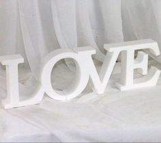 Love napis 3D biały wersja 2