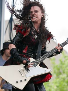 Rock Goddess of the Month (Lzzy Hale of Halestorm) - Creative Edge Music Gibson Explorer, Ladies Of Metal, Lzzy Hale, Mayday Parade Lyrics, Alan Ashby, Women Of Rock, Metal Tattoo, Guitar Girl, Halestorm