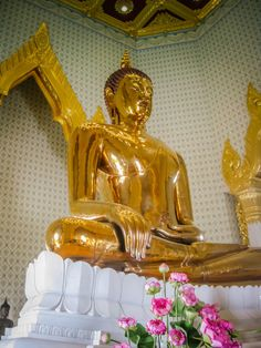 Wat Traimit Bangkok Thailand. Wat Traimit  This is the Temple of the Golden Buddha and is located in Chinatown. It is the largest, solid gold seated Buddha in the World measuring nearly five meters high and weighing five and a half tons. Click to see all of the photos.