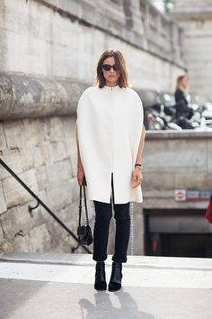 Kasia goes way monochrome and mod. Lovin it