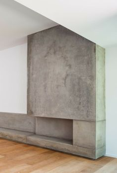 Concrete fireplace. Bitten House / arnau estudi d'arquitectura