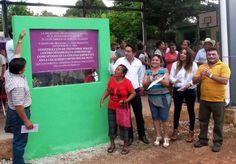Develación de la placa de  la obra de techumbre del centro comunitario de desarrollo y aprendizaje