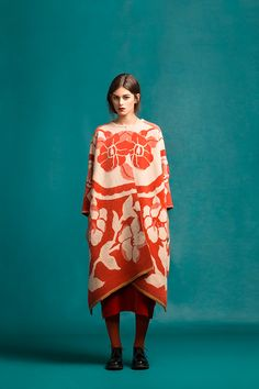 Marit Ilison Longing For Sleep Resort 16 Red Clay Draped Wool Coat Orchid Front Fashion 2020, Fashion Art, Spring Fashion, Winter Fashion, Womens Fashion, Fashion Tips, Fashion Design, Fashion Trends, Boho Fashion