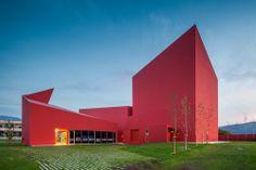 Casa das Artes Miranda do Corvo by Future Architecture Thinking (FAT) / Portugal