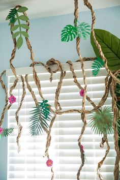 Paper Vine Garland from a Jungle Book Party Made for a Princess on Karas Party Ideas 39 Jungle Book Party, The Jungle Book, Jungle Theme Parties, Jungle Theme Birthday, Dinosaur Birthday Party, Jungle Theme Crafts, Jungle Party Favors, Jungle Jungle, Décoration Baby Shower