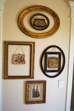 Frames and vintage purses- I finally found something to do with all my vintage purses from my purse faze, Vintage Purses, Vintage Bags, Vintage Handbags, Vintage Stuff, Handbag Display, Hat Display, Display Ideas, Antique Frames, Vintage Frames