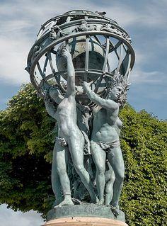 Fontaine de l'observatoire, place Ernest-Denis, Paris VI