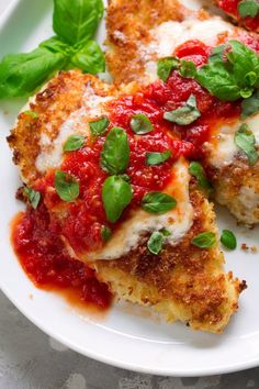 The only Chicken Parmesan recipe you ll ever need This is the best way to make it You get tender crispy chicken lots of cheese and a simple homemade sauce LOVE chicken chickenparmesan italian recipe dinner Chicken Parmesan Recipes, Best Chicken Recipes, Recipe Chicken, Authentic Chicken Parmesan Recipe, Stuffed Chicken Parmesan, Tilapia Recipes, Skinny Chicken Parmesan, Chicken Parmesan Recipe Pioneer Woman, Chicken Parmesan Recipe No Breadcrumbs