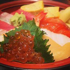 すしざんまい 六本木ロアビル前店 Sushizanmai Roppongi - 레이디가가가 먹었다는 집인데,,, 바로 옆에 돈키호테가 있음. 츠루동탄(우동집)도 바로 옆임