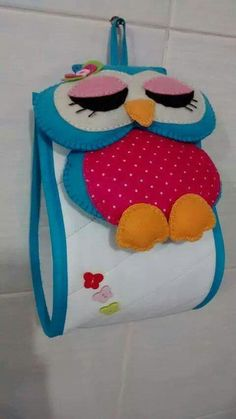 The post appeared first on Berable. Quilting Projects, Craft Projects, Sewing Projects, Projects To Try, Owl Crafts, Diy And Crafts, Toilet Paper Roll Holder, Quilted Toilet Roll Holder, Sewing Crafts