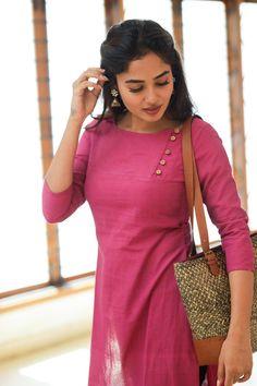 Silk Kurti Designs, Simple Kurta Designs, Salwar Designs, Kurta Designs Women, Kurti Designs Party Wear, Dress Neck Designs, Stylish Dress Designs, Churidhar Neck Designs, Kalamkari Dresses