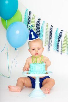 1 Year Old Birthday Party, Boys First Birthday Party Ideas, Happy Birthday Frame, 1st Birthday Photoshoot, Birthday Party Hats, 1st Boy Birthday, Birthday Board, Birthday Gifts, Boy Birthday Pictures