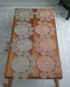 Crochet Table Mat, Crochet Table Runner Pattern, Crochet Doily Rug, Crochet Coaster Pattern, Crochet Square Patterns, Crochet Circles, Crochet Home, Crochet Designs, Crochet Yarn